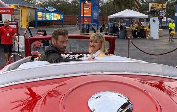 John Travolta e Olivia Newton-John di nuovo insieme: i fan in delirio