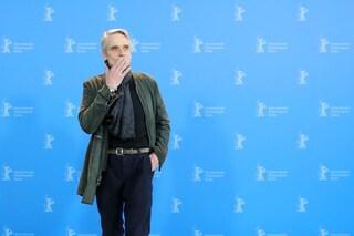 """Il discorso di Jeremy Irons alla Berlinale: """"Supporto i diritti delle donne e i matrimoni gay"""""""