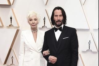 L'eroe degli Oscar 2020 è Keanu Reeves, la madre Patricia Taylor lo accompagna sul red carpet