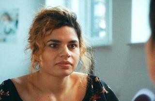 Sola al mio matrimonio: trama, trailer e curiosità del dramma di Marta Bergman