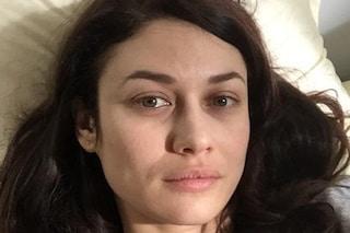 """L'attrice Olga Kurylenko positiva al Coronavirus, la Bond Girl a casa: """"Prendetelo sul serio"""""""