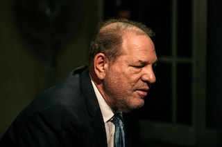 Harvey Weinstein guarito dal coronavirus, è relegato nel reparto di salute mentale del carcere