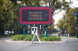 File distanziate, mascherine e colonnine di disinfezione: così Disney World prepara la riapertura