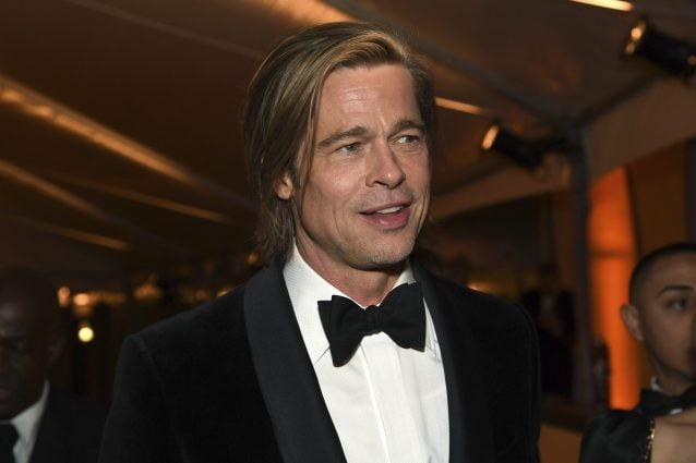 Brad Pitt ha una make-up artist personale per farsi truccare il sedere