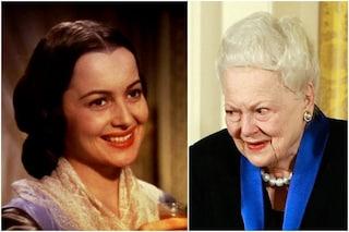 Olivia De Havilland compie 104 anni, la leggenda di Hollywood fu Melania nel discusso Via col vento