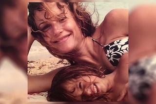 """Ella Travolta, la figlia di John e Kelly Preston ricorda la mamma: """"Grazie per il tuo amore"""""""