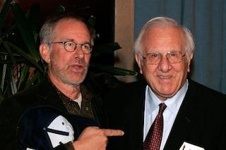 """È morto a 103 anni il padre di Steven Spielberg, il regista: """"Il nostro focolare, la nostra casa"""""""