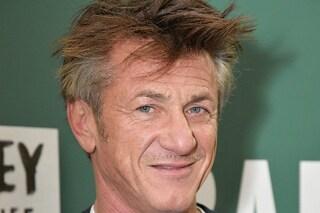 Sean Penn compie 60 anni: l'attore ha da poco sposato Leila George via Zoom