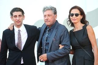 """Pietro Castellitto trionfa a Venezia: """"Mio padre voleva il ruolo andato a Popolizio, ho rifiutato"""""""