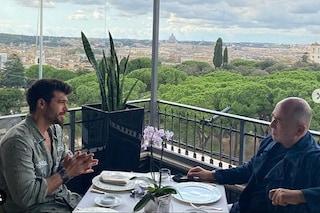 Can Yaman incontra Ferzan Ozpetek, l'attore turco in trattative per un progetto con il regista