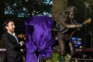 Londra dedica una statua ad Harry Potter, a Leicester Square il maghetto in sella alla sua scopa