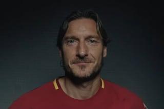 Mi chiamo Francesco Totti, la commovente storia di un monumento che voleva sentirsi uomo