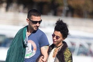 Shia LaBeouf accusato di molestie sessuali e aggressioni da FKA twigs, l'attore ammette tutto
