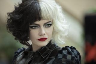 """""""Crudelia"""": trailer, foto e data d'uscita del film con Emma Stone nei panni di Cruella"""