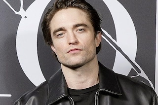 I 35 anni di Robert Pattinson, l'(anti)divo che non è solo Edward Cullen e Batman
