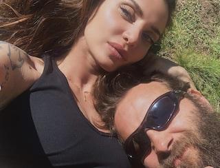 """Alessandro Borghi: """"La mia fidanzata è più colta e interessante di me"""""""