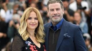 """John Travolta ricorda la moglie scomparsa: """"Ti amiamo e ci manchi tantissimo"""""""