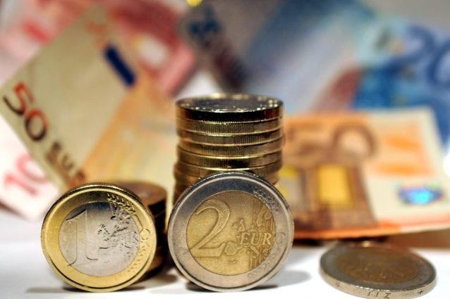 stipendi in contanti sanzioni