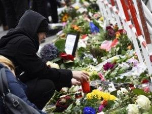 Il ricordo delle vittime degli attacchi terroristici