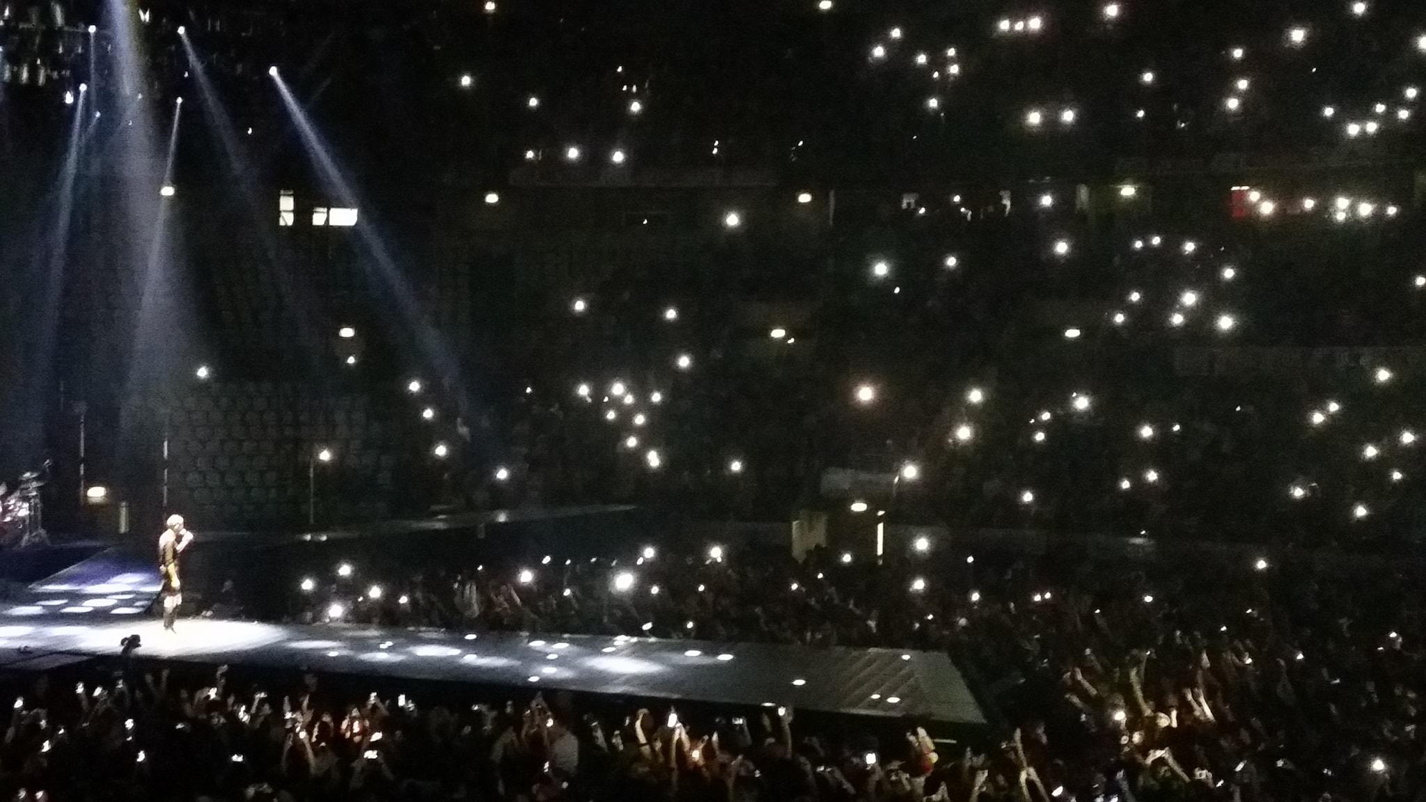 """Jovanotti canta """"A te"""" (Foto Angelo Andrea Vegliante)"""