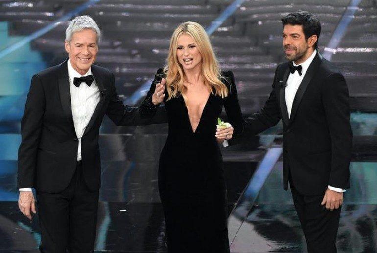 Sanremo 2018. Claudio Baglioni, Michelle Hunziker e Pierfrancesco Favino