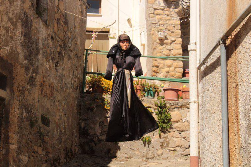 """La """"Cianara"""" (tipica strega di Rocchetta Sant'Antonio)"""