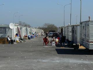 A Roma è boom di baraccopoli: nessun alternativa per i rom che saranno sgomberati da Castel Romano