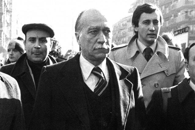Al centro: Giorgio Almirante