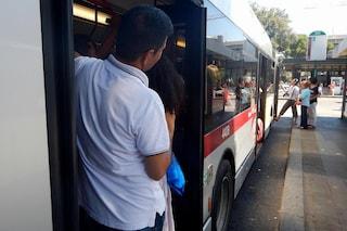 """A Roma arriva il divieto di salire sui bus ubriachi. Poi la correzione: """"Solo se molesti"""""""