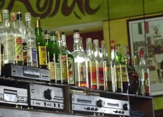 Rinnovata ordinanza anti-alcol a Roma, vietato il consumo dopo le 21 fino al 26 aprile