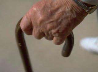 Tentata rapina a Garbatella, nonno coraggio fa arrestare il giovane rapinatore a quasi 90 anni
