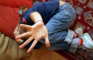 Garbatella, abusava bambine di 10 anni: arrestato maestro di chitarra