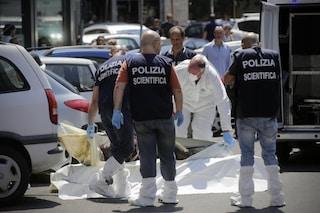 Roma, uomo cade dal terzo piano di un palazzo e muore