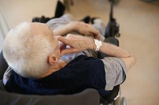 Frosinone, massacra di botte i genitori anziani: il padre in ospedale con il femore rotto