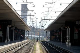 Paura alla stazione Trastevere, donna spinta sui binari: è gravissima
