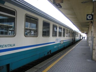 Allarme bomba a Valle Aurelia: evacuati un treno e l'intera stazione