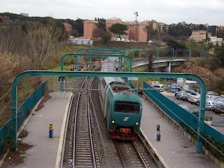 Ferrovia Roma-Viterbo: uomo investito sui binari, circolazione interrotta a Castelnuovo di Porto