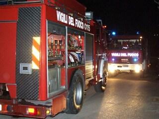 Viterbo: incendio in un appartamento, ragazza si lancia dalla finestra per sfuggire alle fiamme