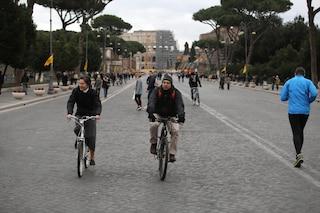 Smog a Roma: polveri sottili ancora oltre i limiti. Domani domenica ecologica: tutti a piedi