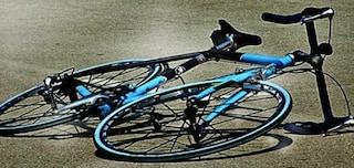 Incidente via Salaria, morto un ciclista a Passo Corese