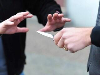 Accoltellamento a Nepi, litiga con un uomo e lo colpisce più volte all'addome
