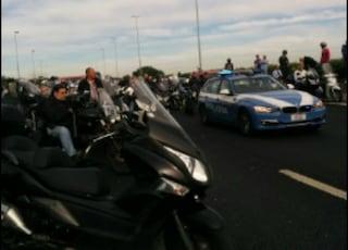 Incidente stradale, scontro moto-tir sul Raccordo all'altezza della Tuscolana: un morto
