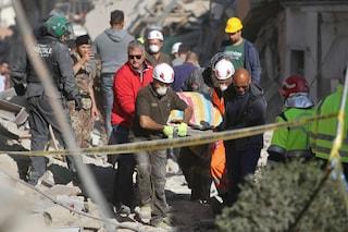 Amatrice, Vigile del fuoco folgorato da una scarica elettrica mentre lavora