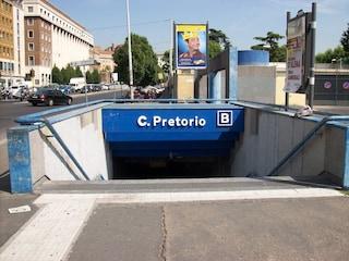 Metro B di Roma, passeggero si sente male a Castro Pretorio: portato in ospedale