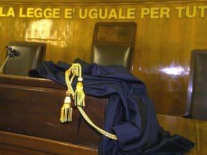 """Roma, fermato con l'hashish il giudice lo assolve: """"Sono ricco non ho bisogno di spacciare"""""""