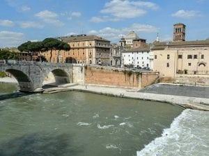Roma ha sete e Acea vuole dare da bere ai romani l'acqua del Tevere