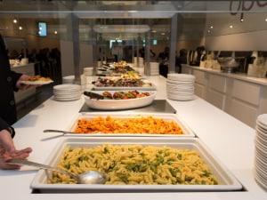 A Fiumicino arriva l\'all you can eat con il menù stellato di ...