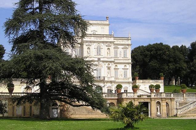 Esterno del Casino del Bel Respiro (Wikipedia).