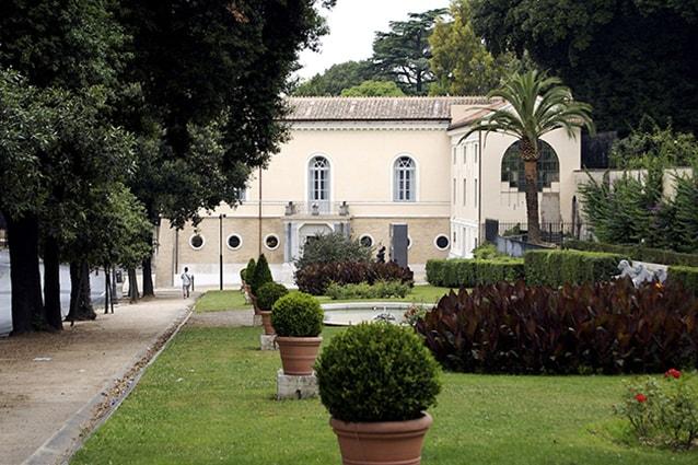 Ingresso del Museo Carlo Bilotti a Villa Borghese (Wikipedia).