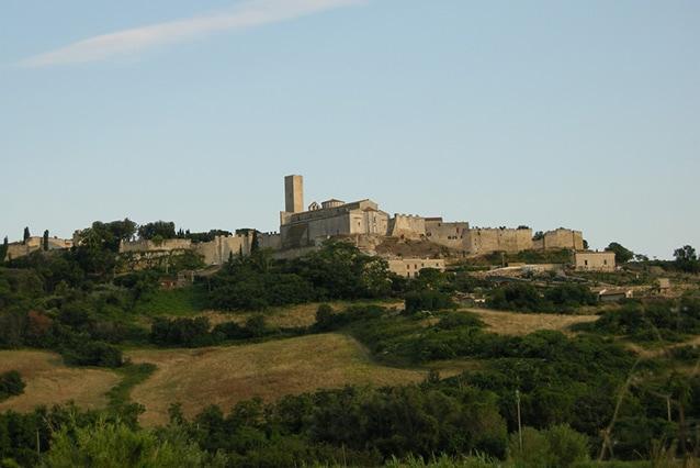 Vista di Tarquinia (Wikipedia).